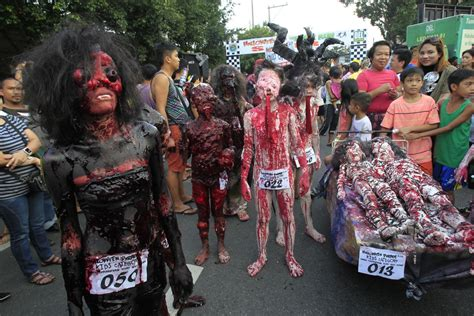 halloween costumes parade ng year street eve mga gawain marikina mangkukulam walk wearing undas ang ibtimes silly spooky manila participants