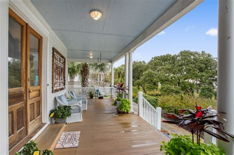 The area has lots to do like visit forsyth park or fort pulaski. Surf Song Bed & Breakfast in Tybee Island   Surf Song Bed & Breakfast For Sale