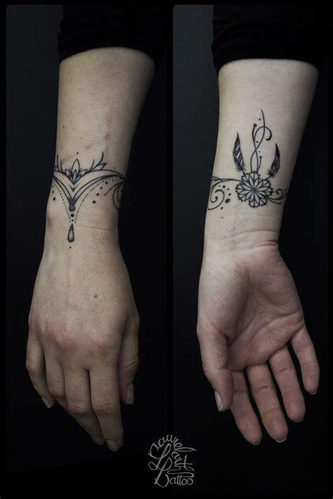 Tatouage Bracelet Poignet Plume
