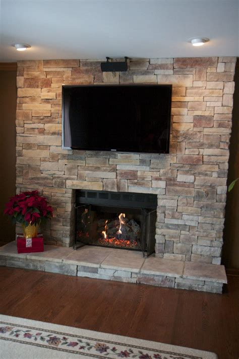 Fireplace Tv Pictures by Ledge Fireplace With Tv Located In Lake Zurich