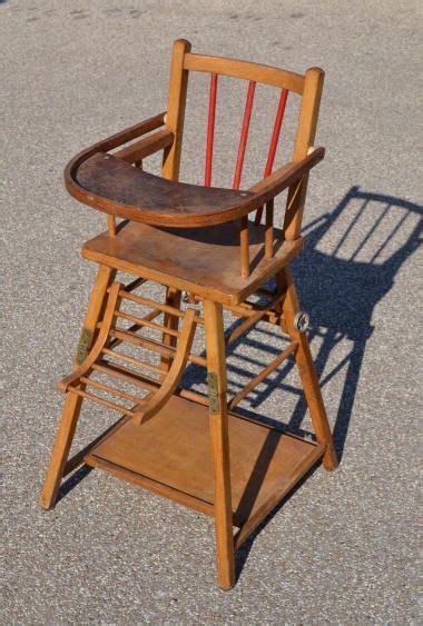 chaise haute mima chaise haute en bois la tablette se relève pour asseoir