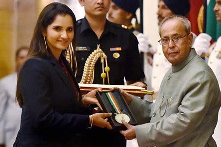 winners  rajiv gandhi khel ratna award  outstanding