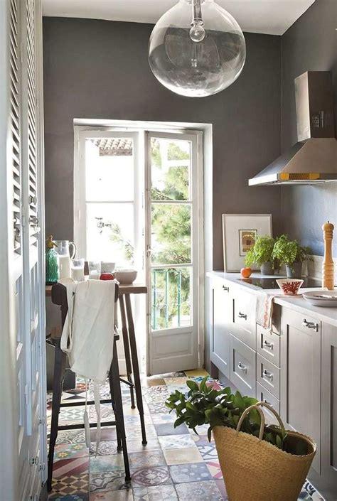 cuisine couloir amnagement cuisine couloir tapis pour la cuisine chemin