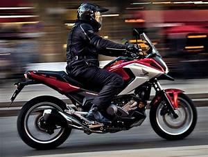 Moto Honda Automatique : honda nc 750 x 2016 fiche moto motoplanete ~ Medecine-chirurgie-esthetiques.com Avis de Voitures
