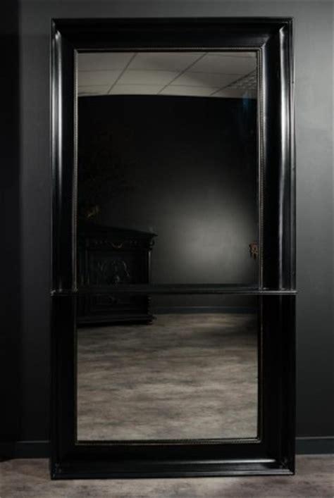 grand miroir a poser au sol tr 232 s grand miroir d entr 233 e avec tablette 224 poser au sol cadre en bois peint 224 la laqu 233 noir