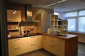 Küche Mit Granitarbeitsplatte : leicht musterk che moderne einbauk che zum sonderpreis ~ Michelbontemps.com Haus und Dekorationen