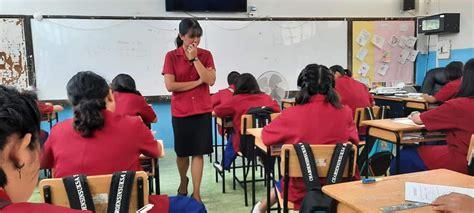 นักเรียนห้องเรียนพิเศษ EIS สอบด้วยข้อสอบภาษาอังกฤษ ...