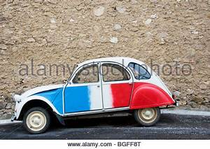 2 Chevaux Citroen : citroen 2cv or french deux chevaux auto red white and blue with woman stock photo royalty free ~ Medecine-chirurgie-esthetiques.com Avis de Voitures