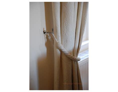 accessoires  crochets dembrasses pour tringle  rideaux