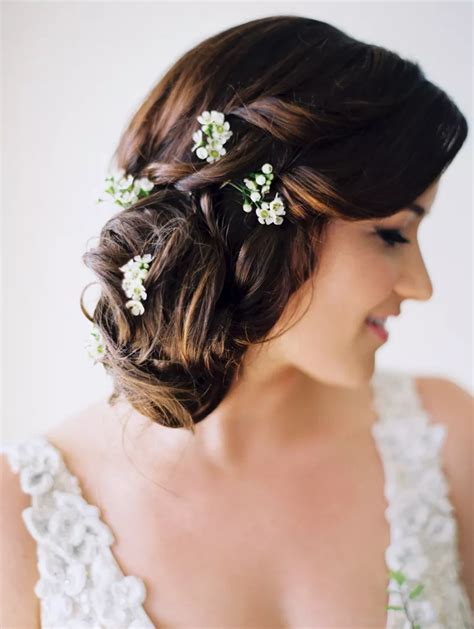 67 Romantic Hairstyles to Wear on Your Wedding Day Best