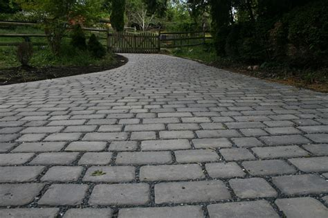 water permeable driveway custom stoneworks design inc permea permeable paver