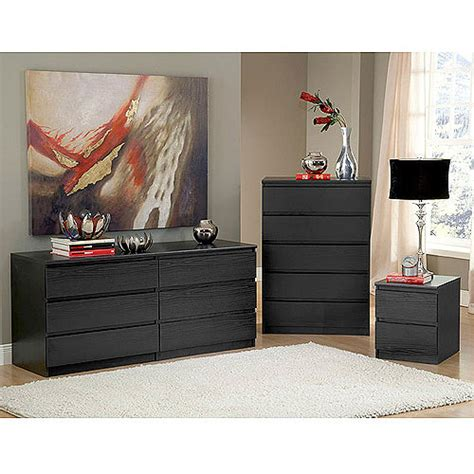 Using Dressers As Nightstands by Laguna Dresser 5 Drawer Chest And Nightstand Set