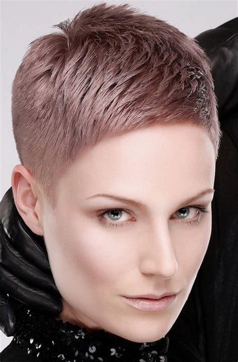 ganz kurze haare frisuren