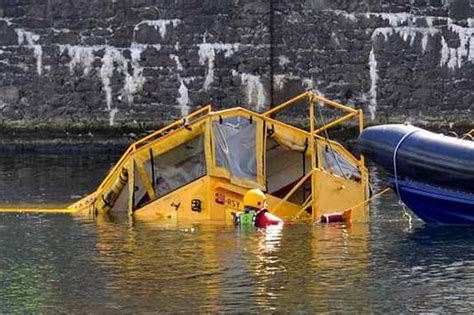 Tourist Duck Boat Sinks by Guide To Get Sinking Duck Boat Liverpool Velera