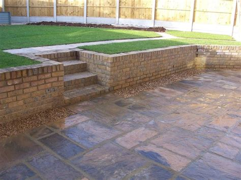 Garden Retaining Wall by A Retaining Wall In Yellow Stock Bricks Great