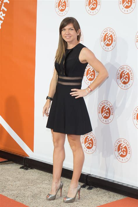 Simona Halep looking gorgeous in a little black dress. ... #SimonaHalep | Celebs in Mini Skirts