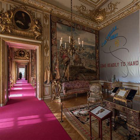Lawrence Weiner at Blenheim Palace   ELLE Decoration UK
