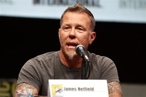 james hetfield weight height ethnicity hair color eye color