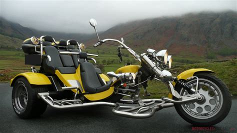 Boom *family Low Rider* 3 Seater Motor Trike Yellow 1600cc