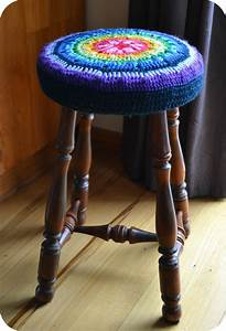 About A Stool : a new crochet stool cover the green dragonfly ~ Buech-reservation.com Haus und Dekorationen