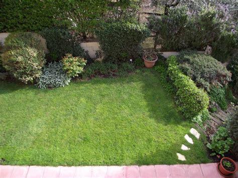 piccoli giardini fioriti piccoli giardini progettazione giardini arredamento