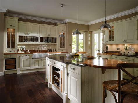 Two Island Kitchens - combinando cores na decoração artigo definitivo