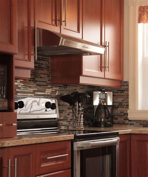 mod鑞e cuisine armoire cuisine en bois armoires en bois mod le shaker couleur v nitien oak cuisine en bois naturel cuisine bois algerie cuisine bois au
