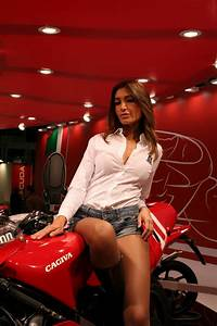 Salon De Milan : glamour et demoiselles du salon edition 2009 galeries ~ Voncanada.com Idées de Décoration