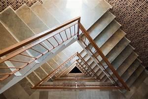 Fenster Für Treppenhaus : treppenhaus tapezieren diese kosten kommen auf sie zu ~ Michelbontemps.com Haus und Dekorationen