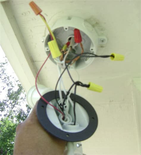 floodlight wiring