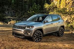 Jeep Compass Sport : 2017 jeep compass first look automobile magazine ~ Medecine-chirurgie-esthetiques.com Avis de Voitures
