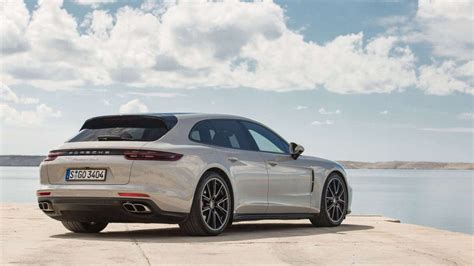 Large Luxury Car Sales In Canada