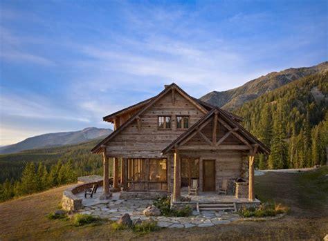 maison de la montagne maison rustique enti 232 rement en bois au montana 201 tats unis vivons maison