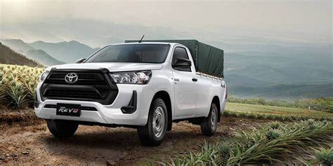 With a bold new look hilux stands out from the crowd. Toyota Hilux 2020 update | The Car Market South Africa