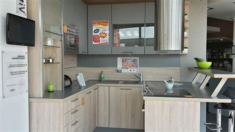 mod鑞e de cuisine modèle cuisine équipée ixina cuisine idées de décoration de maison olddpmgdna