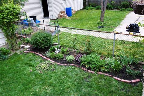 Top Creative Garden Edging Ideas