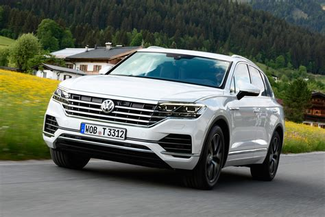 volkswagen touareg  review pictures auto express