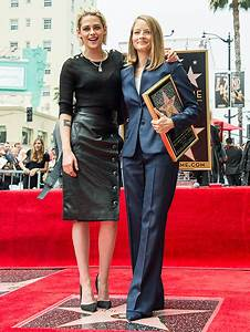 Jodie Foster Honored by Kristin Stewart at Walk of Fame ...