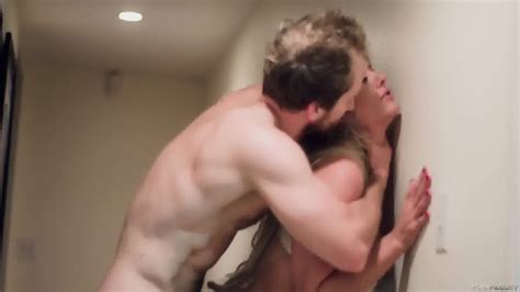Crazy Sex With Horny Blonde Holly Heart Eporner