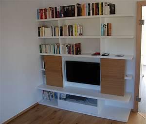 Bücherwand Mit Tv : b cherwand mit integrierter tv nische in schleiflack ~ Michelbontemps.com Haus und Dekorationen
