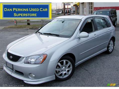 2006 Clear Silver Kia Spectra Spectra5 Hatchback #58969568