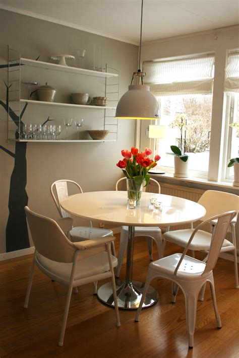 litet runt kksbord sidobord marmor  litet runt