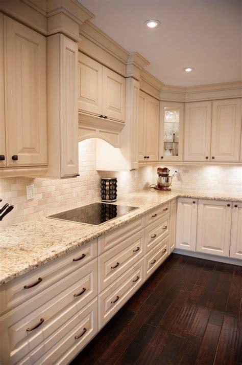 Light Colored Granite For Bathroom by Best 25 Light Granite Countertops Ideas On
