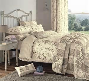 vintage bed set lila vintage duvet covers bedding quilt set