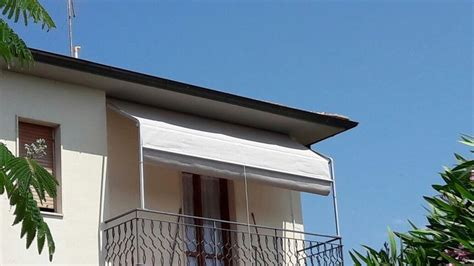 tendoni per terrazzi tenda a capanno a tinta unita per terrazzo with