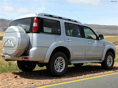 ford everest  review amazing pictures  images