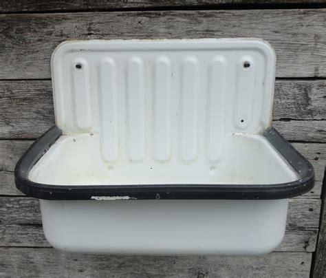 vintage enamelware sink recycling