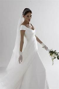 Italian wedding gown designers wedding and bridal for Wedding dresses italian designers
