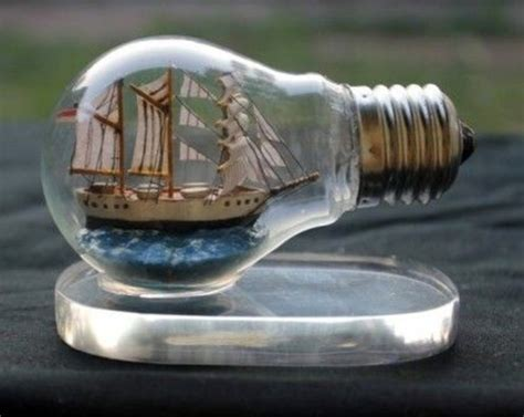 DIY decoration from bulbs ? 120 craft ideas for old light