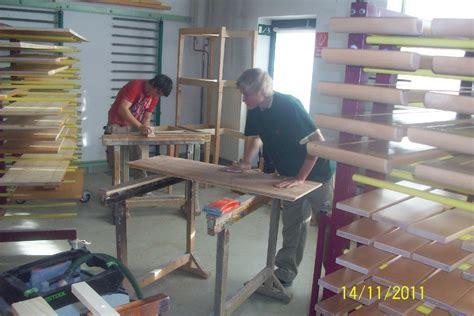 holz grundieren vor lackieren lackieren in der tischlerei bacher